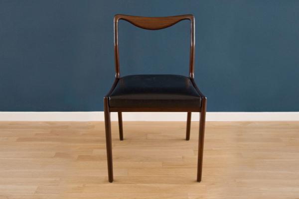 Sedie in legno massello arne vodder danord for Sedie in legno massello