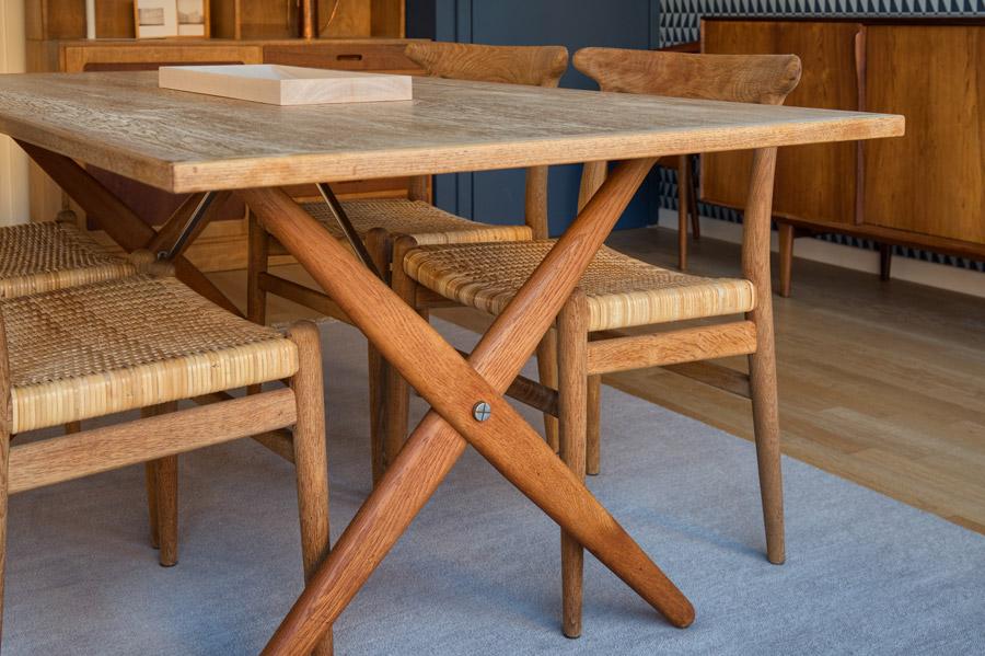 AT 303 – Cross leg dining table by Hans Wegner – cod. 1194