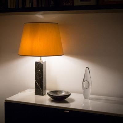 Lampada con base in marmo -Knoll