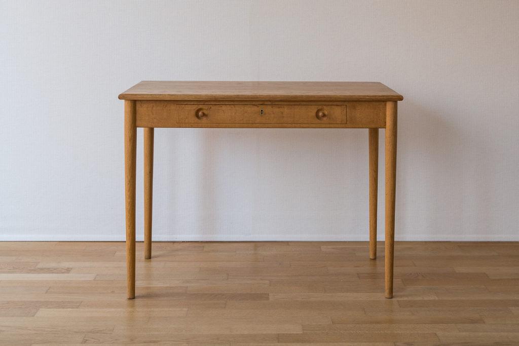 Small desk Hans Wegner – Cod.1172