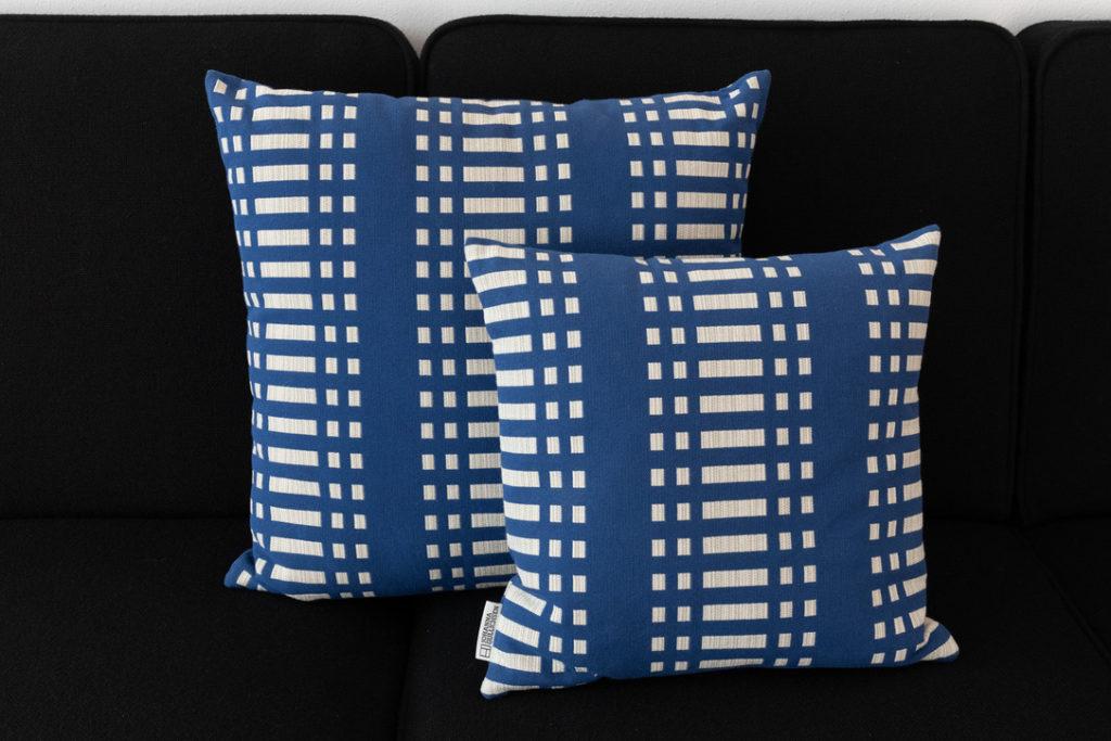 Cotton pillows – Johanna Gullichsen