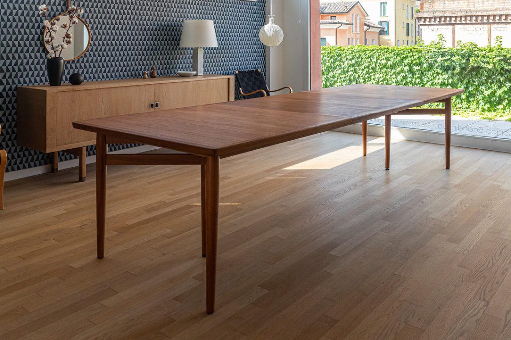 Extending table - Arne Vodder - Code 1355