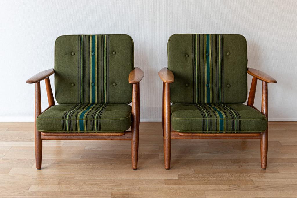 Pair of GE-240 easy-chairs - Hans Wegner - Code 1370